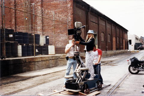 how to create tracking shots with a monopod
